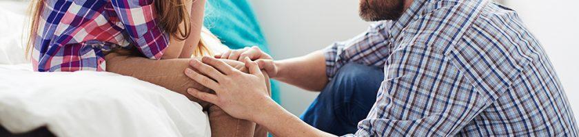 نقش والدین در مقابله با افسردگی نوجوانان